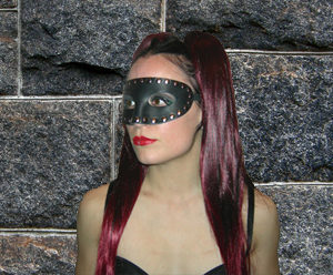 183 Studded Molded Mask