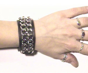 226 Double Chain Wristband (Black)